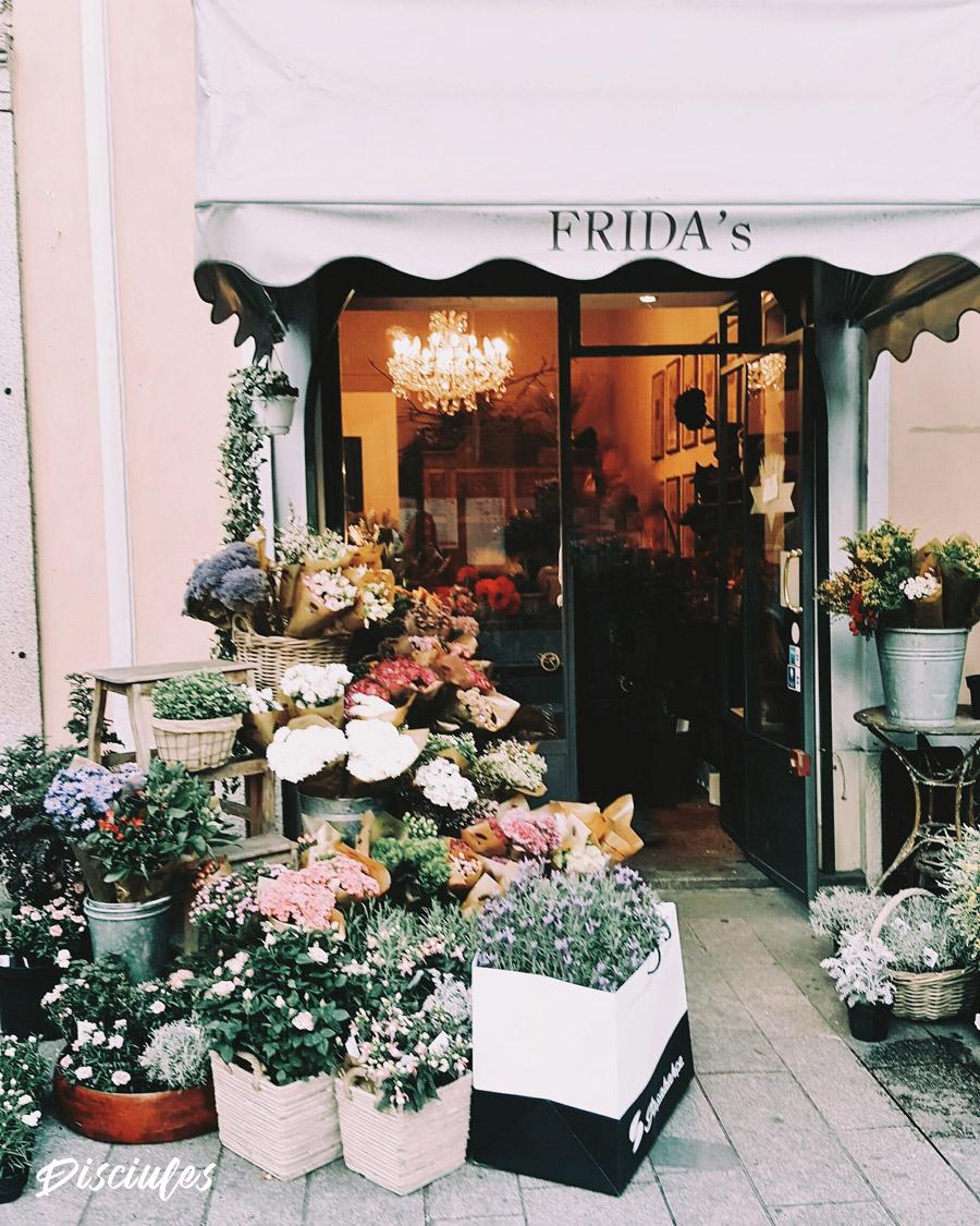 Fiori Online Milano.Fiori E Fiorai A Milano I Locali E Le Location Piu Belle Mytripmap