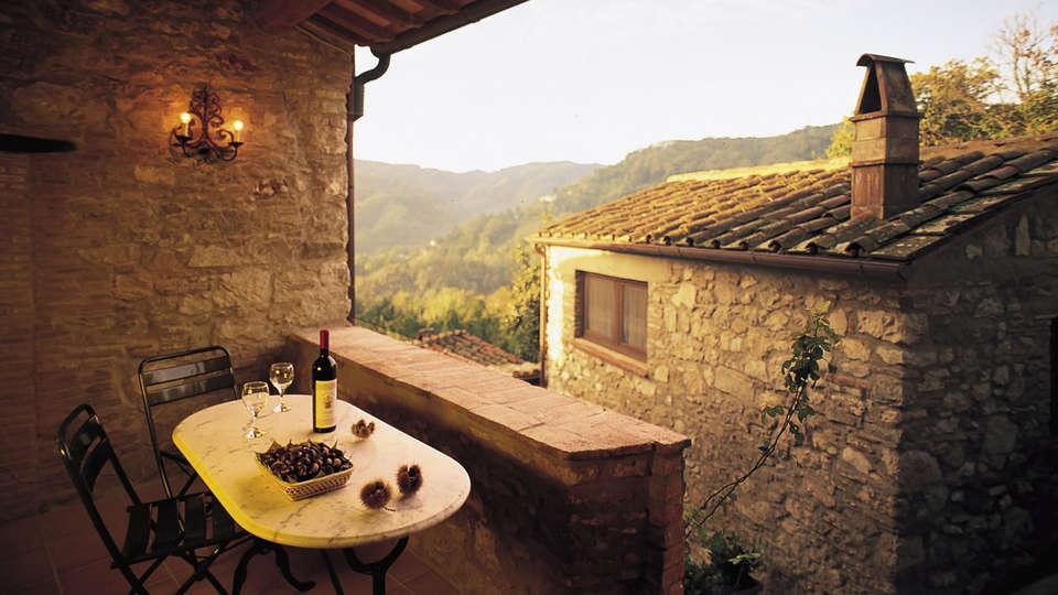 Soggiorno romantico in Suite con Jacuzzi tra le colline della Toscana